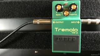 34. Tremolo Pedal Controls