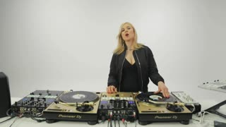 Turntablism 102: Skratching Advanced - Preview Video