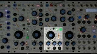 4. 261e Modulation Oscillator